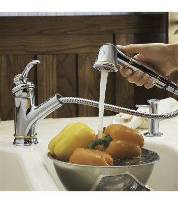 Kohler K-12177 Fairfax single-control pull-out kitchen sink faucet