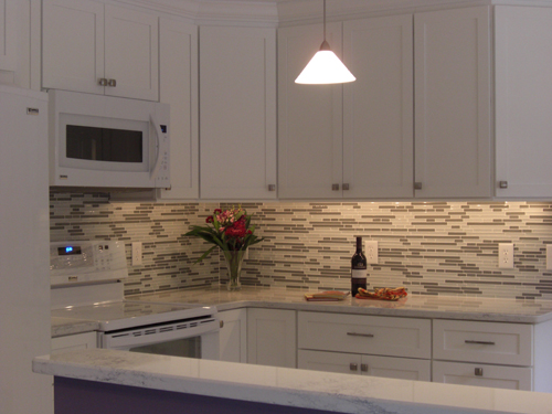 kitchen backsplash design idea 13 - Ceramic Tile Kitchen Backsplash